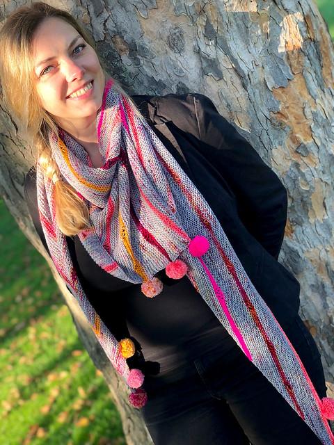 Pomp & Poms shawl by Therése Hedlund aka Brixton Purl