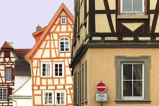 November 2018: Bad Wimpfen am Neckar, Stauferstadt, Rehastadt ... Kraichgau ... Fachwerkhäuser, Kirchen, Blauer Turm ... Foto: Brigitte Stolle