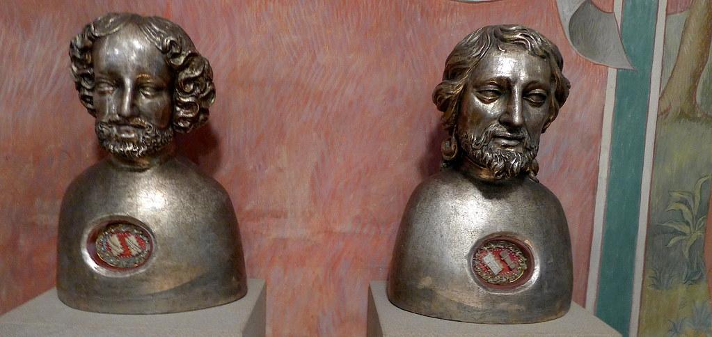 Мощевики святых апостолов в церкви Андрея Первозванного