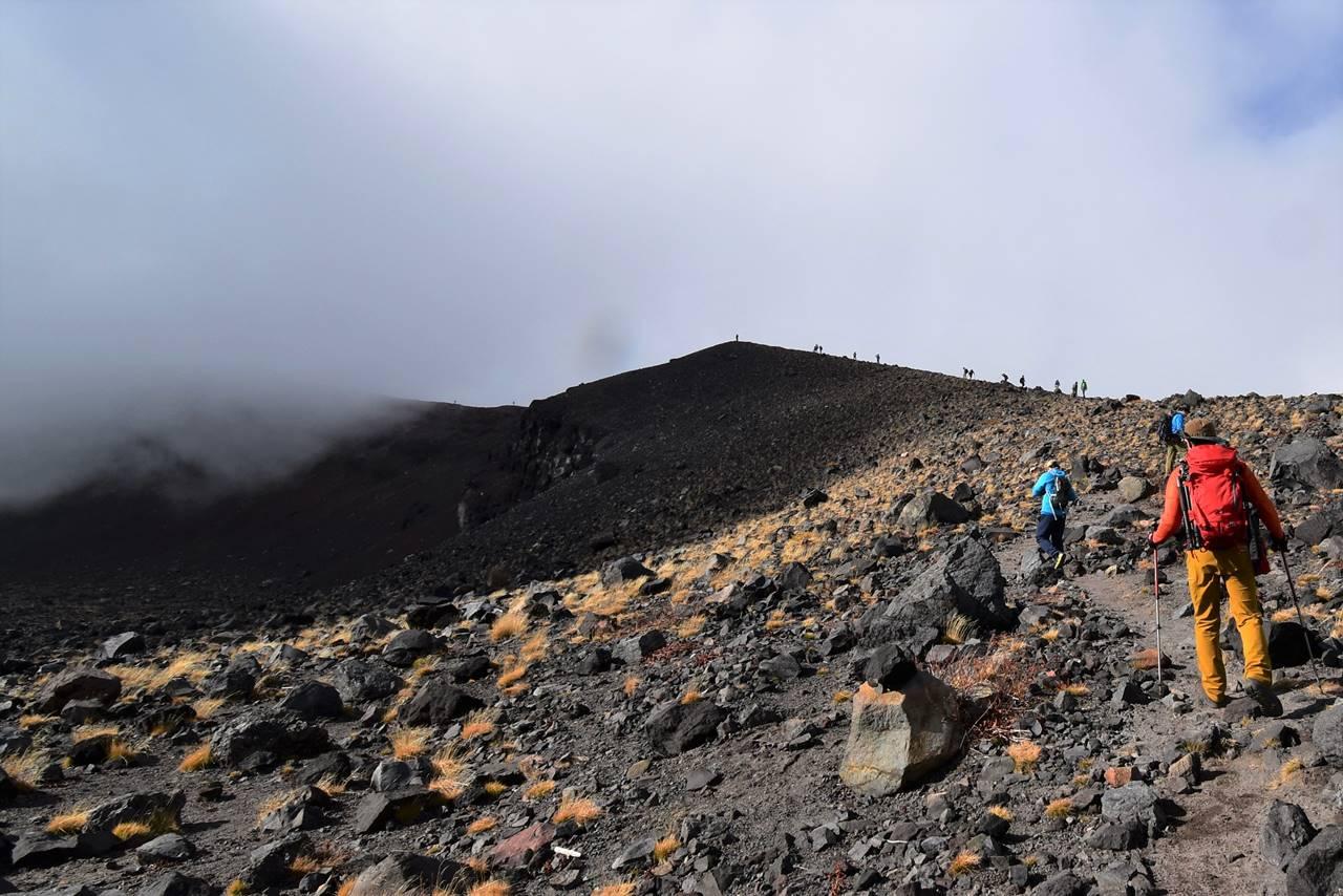 前掛山の稜線