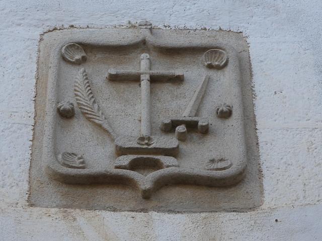 Escudo de la Santa Inquisición en una casa de Coria (Cáceres)