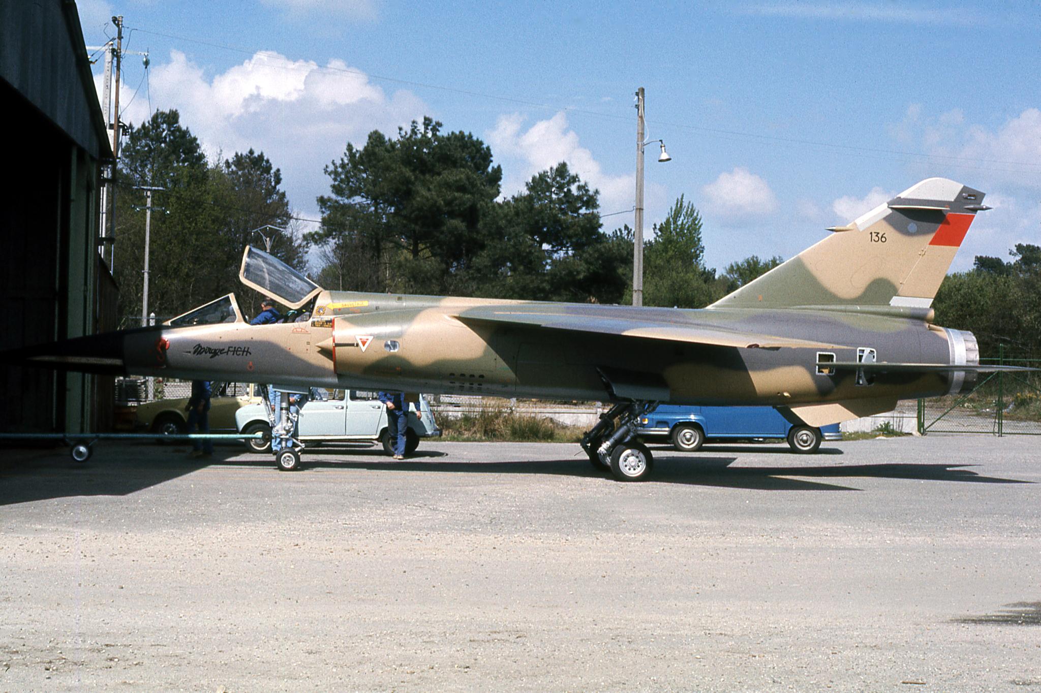 FRA: Photos Mirage F1 - Page 15 46179616341_a39e7cf7b6_o