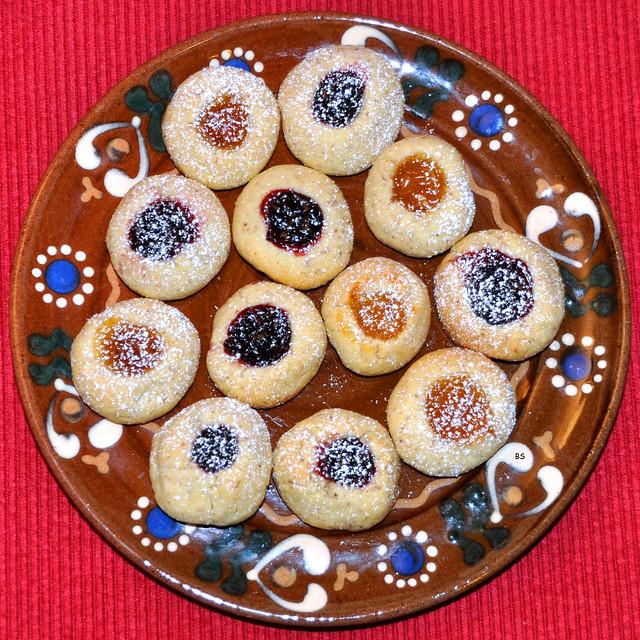Weihnachtsbäckerei 2018 --- Husarenkrapferl, Engelsaugen, Rezept --- Foto: Brigitte Stolle