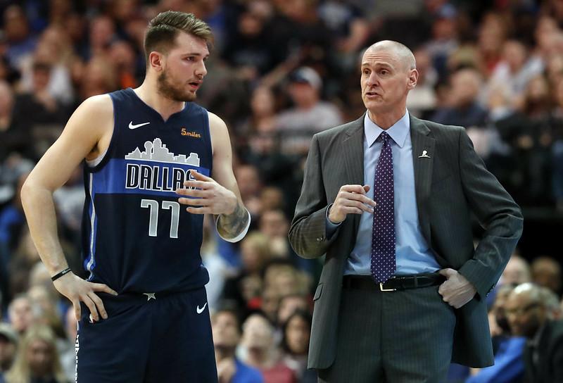 Luka Doncic(圖左)再以大三元締造NBA紀錄。(達志影像)
