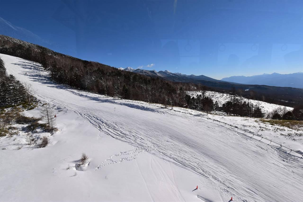 北八ヶ岳ロープウェイから見下ろすゲレンデコース
