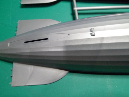 Ouvre boite LZ 219 Hidenburg [Revell 1/720] 44660223060_79d65c3bcc