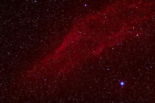 VCSE - Az NGC 1499 jelű diffűzköd és az (584) Semiramis kisbolygó nyoma. - Molnár Iván felvétele