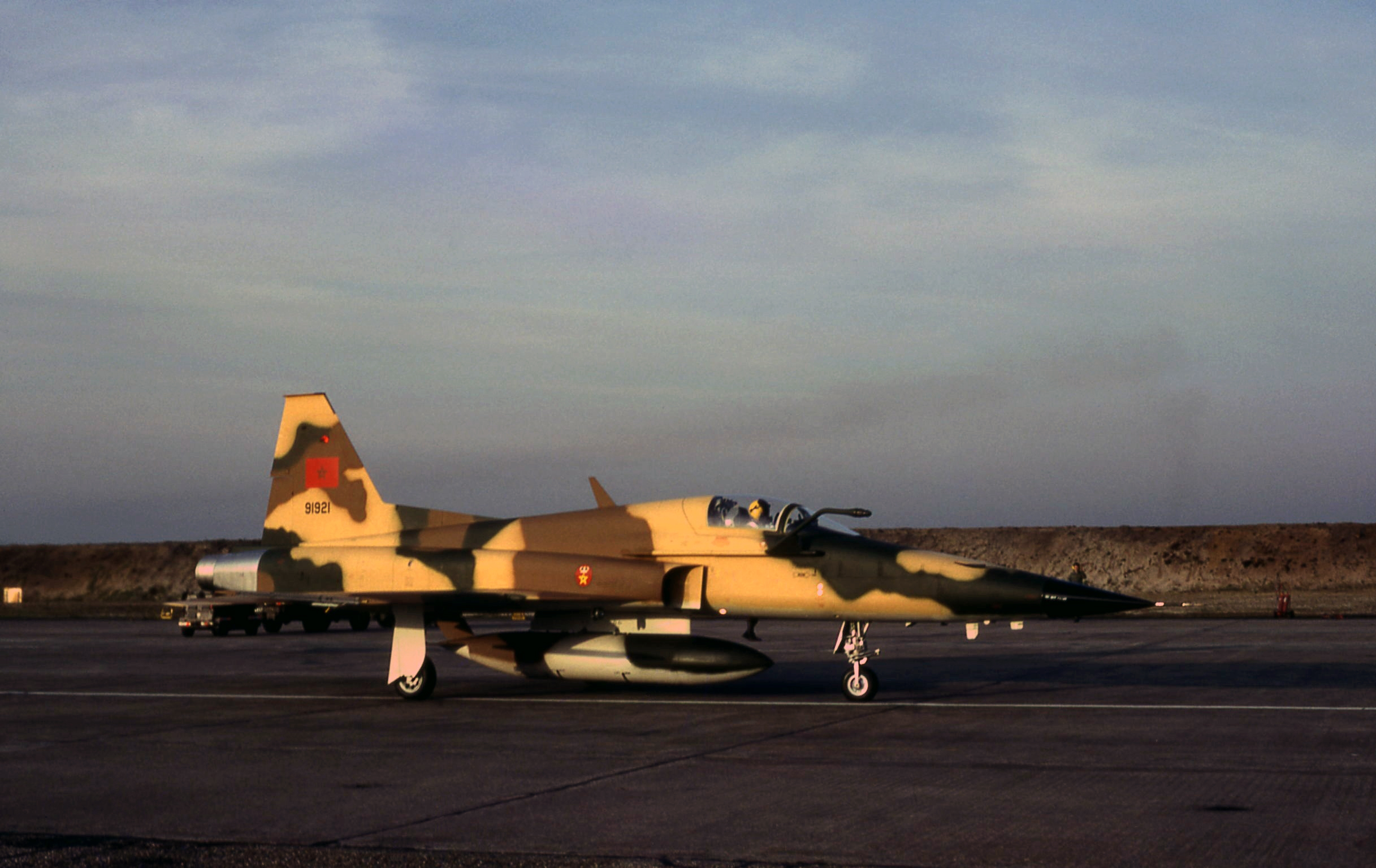 FRA: Photos F-5 marocains / Moroccan F-5  - Page 12 32906899818_272175ac05_o