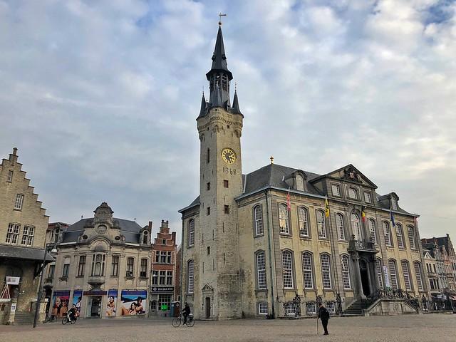 Grote Markt de Lier (Flandes)