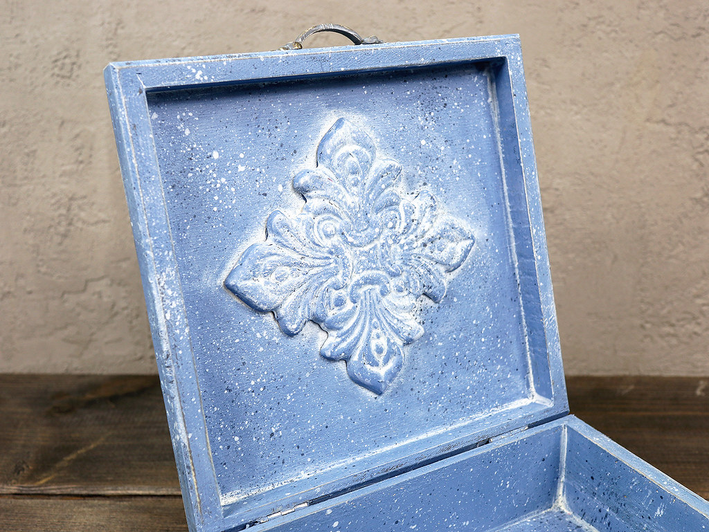pudełko niebieskie 2