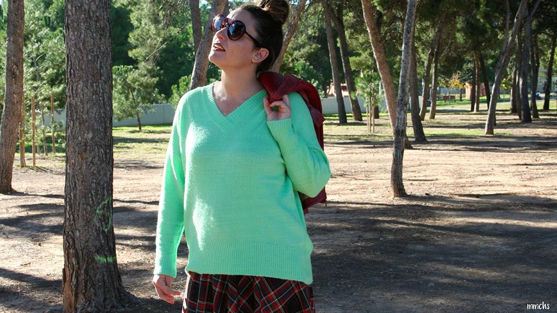 look de mujer con colores flúor
