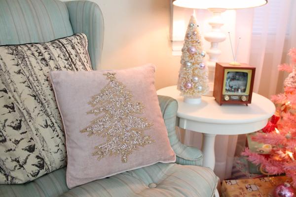 retro pink christmas decor
