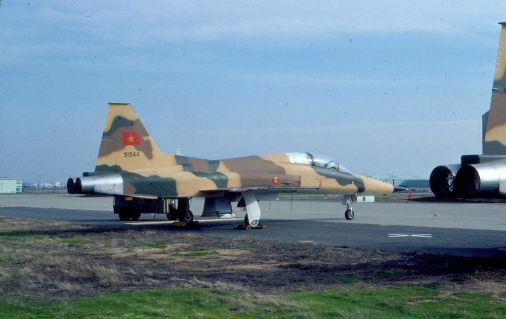 FRA: Photos F-5 marocains / Moroccan F-5  - Page 12 32907008568_92e1b059f4_o