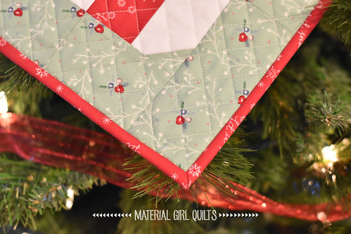 Mint Mini quilt by Amanda Castor of Material Girl Quilts {pattern from Gingerbread Quilt by Burlap and Blossoms in Love Patchwork & Quilting Magazine} | by Material Girl Quilts