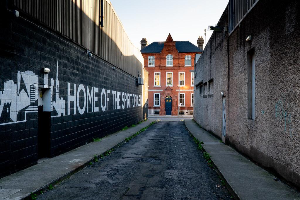 BLACKPITTS AREA OF DUBLIN - MILL STREET HOUSE 005