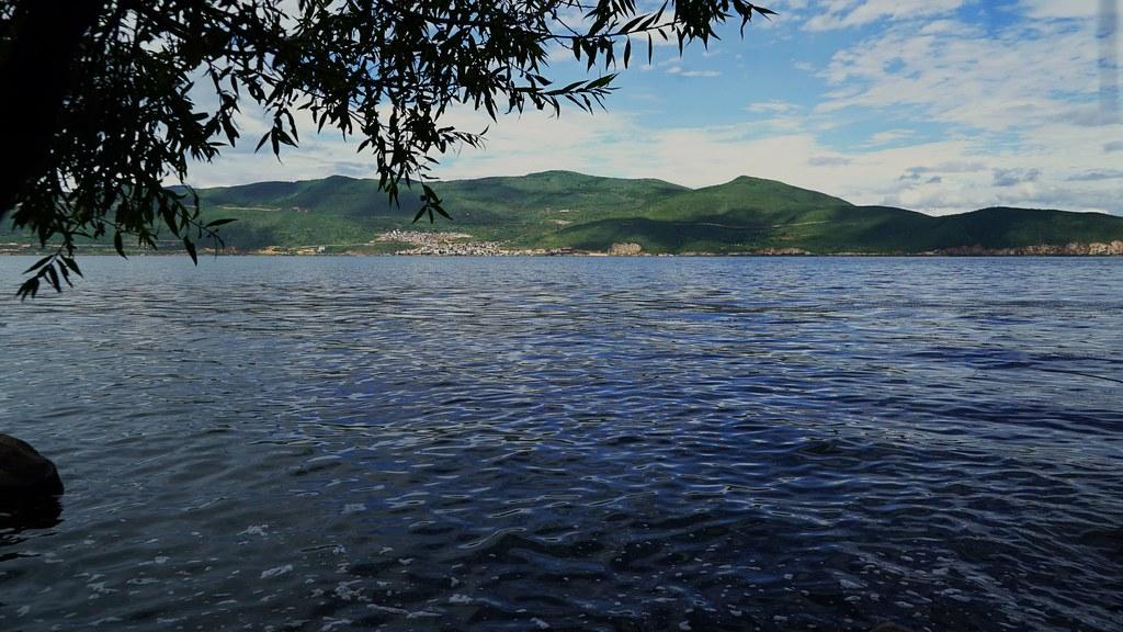 大理古城旁的洱海,面積256公頃,成為雲南面積第二大湖泊。攝影:郭志榮