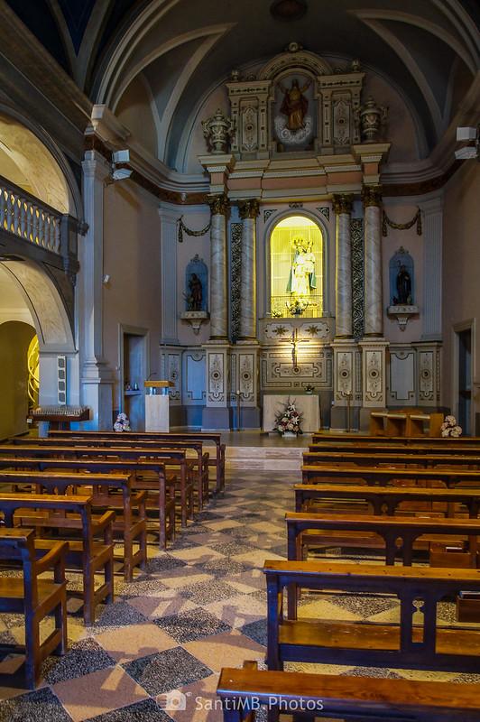 Interior del Santuari de la Salut de Sant Feliu de Pallerols