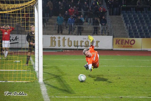 Pokal: TuS Koblenz - Eintracht Trier 5:3 n. E.  32013994738_529bc7135e_z
