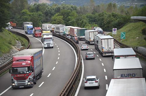 Tirôl traviersât dal trafic pesant