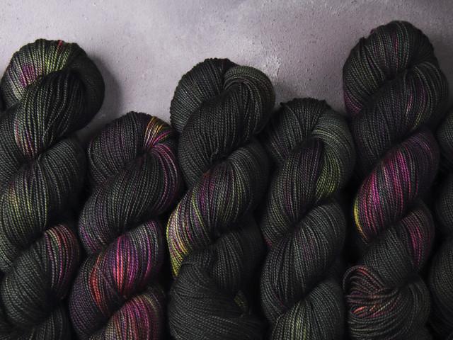 Favourite Sock – hand-dyed superwash merino wool yarn 4 ply/fingering 100g – 'Dark Winter'