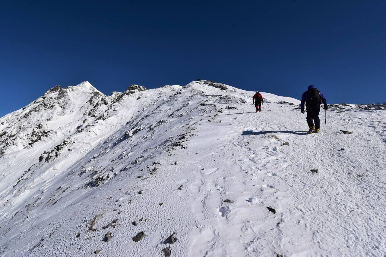 西穂高岳・独標 日帰り雪山登山