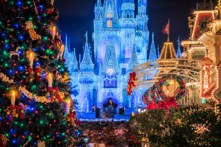 Magic Kingdom Main Street at Christmas | by Justin in SD