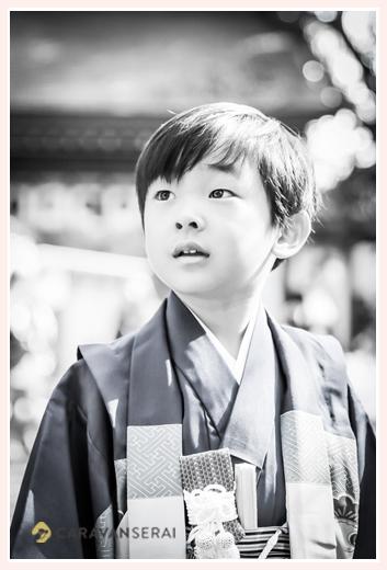 七五三 5歳の男の子 砥鹿神社 愛知県豊川市 モノクロ