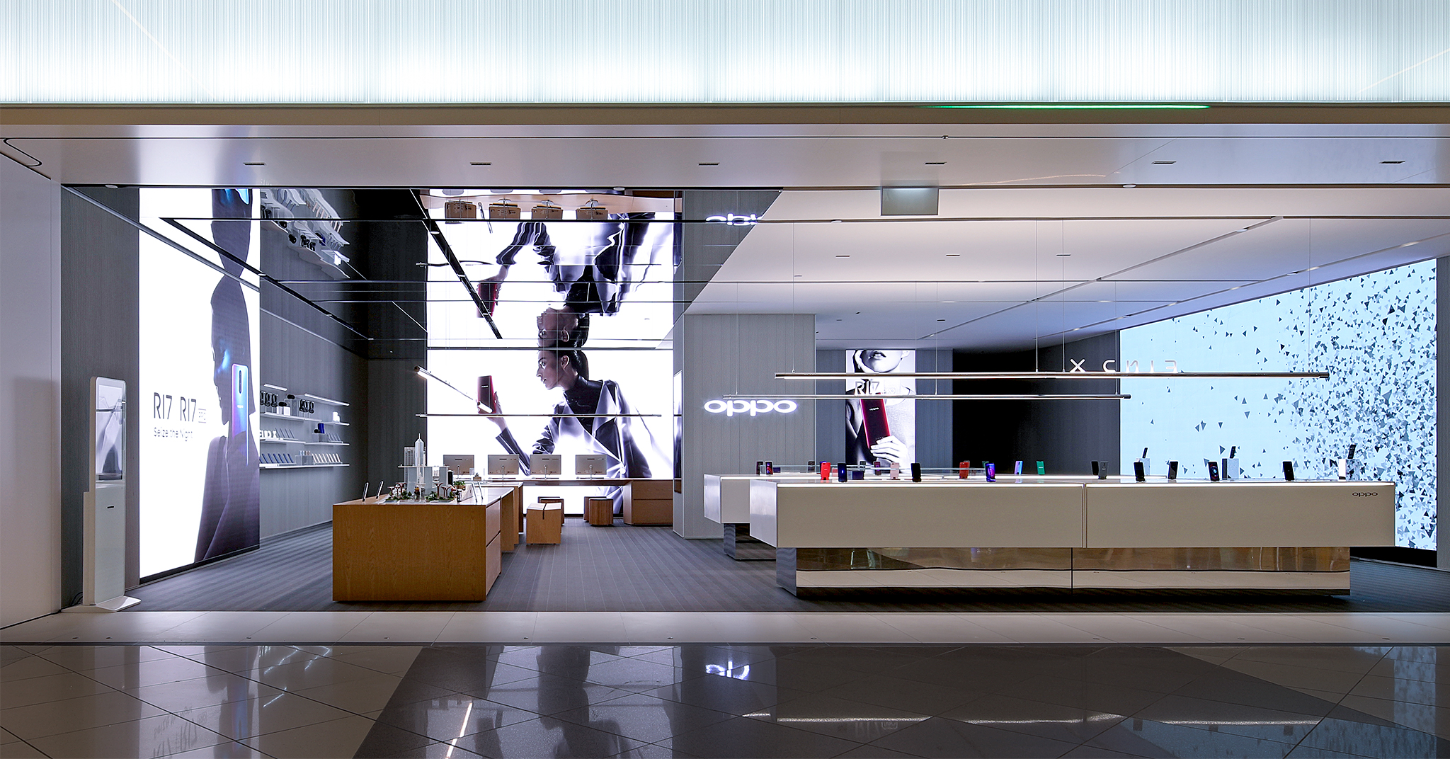 The OPPO 3.0 flagship store is located at the atrium on the ground floor between Towers 3 & 4 at Suntec City Mall.