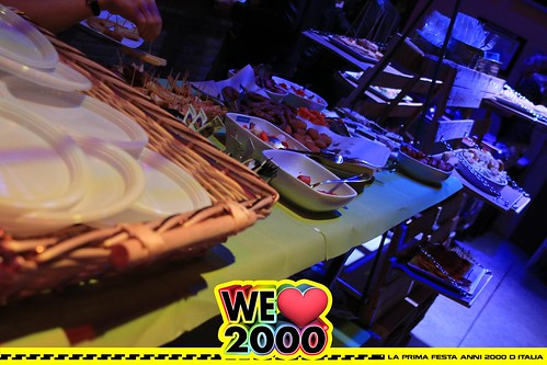 13-10-18 WE LOVE 2000