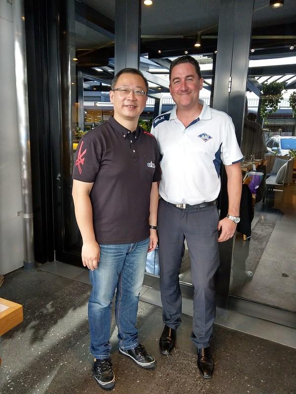 ABL執行長Cam Vale(右)與中職會長吳志揚。(資料照,中職提供)
