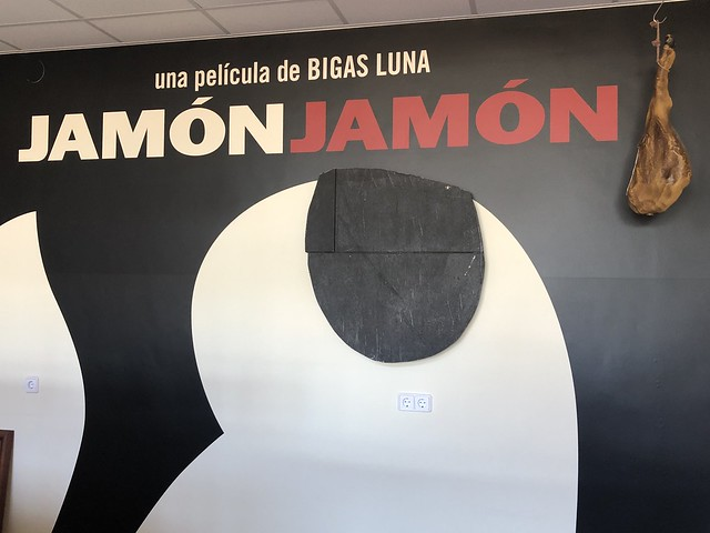 Cartel de Jamón Jamón en el Museo del Jamon de Calamocha