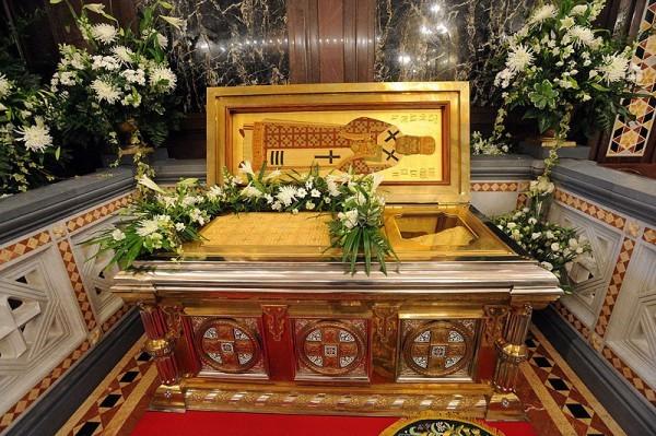 Рака с мощами святителя Филарета Московского. Храм Христа Спасителя
