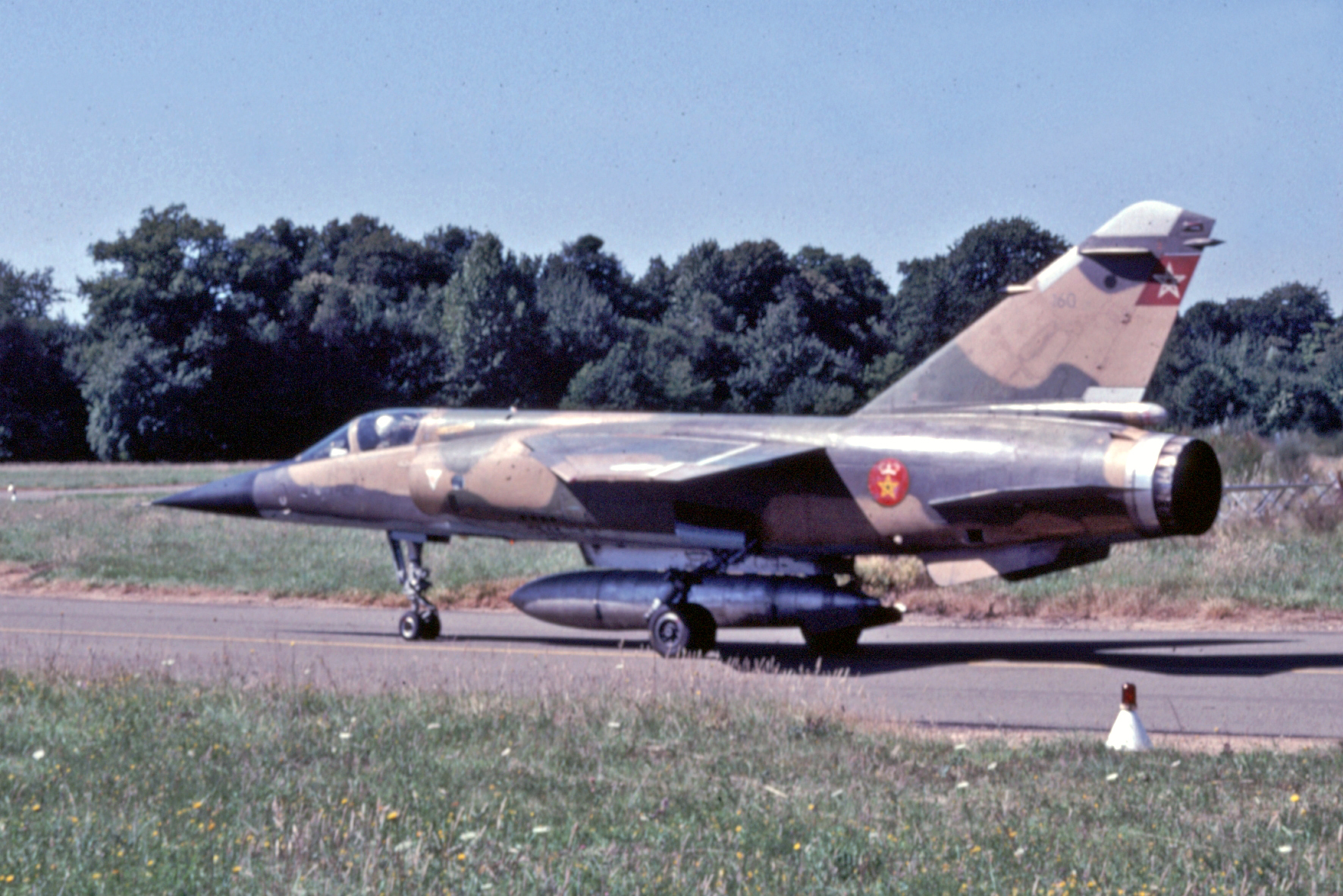 FRA: Photos Mirage F1 - Page 15 31436945957_dc4d5ed1b6_o
