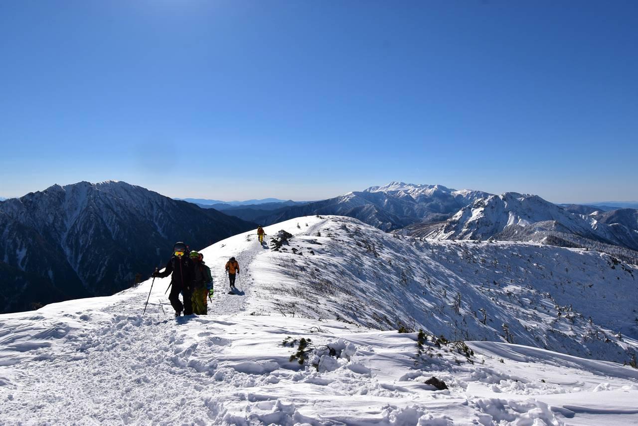 冬の西穂高岳 丸山の稜線