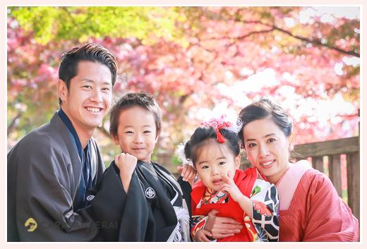龍城神社・岡崎公園の紅葉の中の七五三♪ママもパパもお着物で/愛知県岡崎市