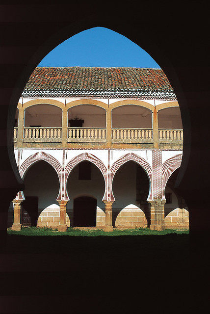 Patio mudéjar de Abadía (Cáceres)