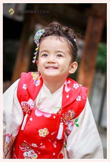 七五三 3歳の女の子 着物は白 被布は赤