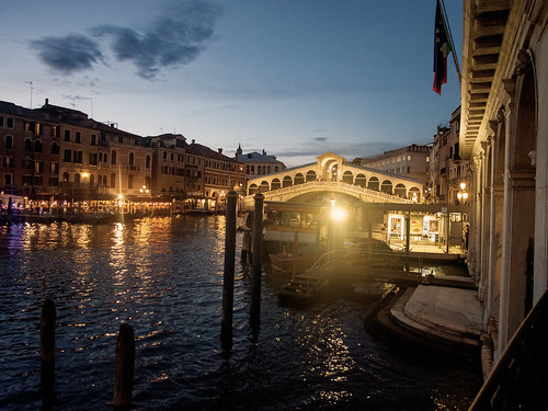 Ponte di Rialto, Venice, at Night | by T. Christensen