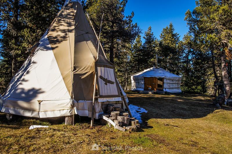 Tiendas del poblado nórdico de Angaka en Plateau de Beille