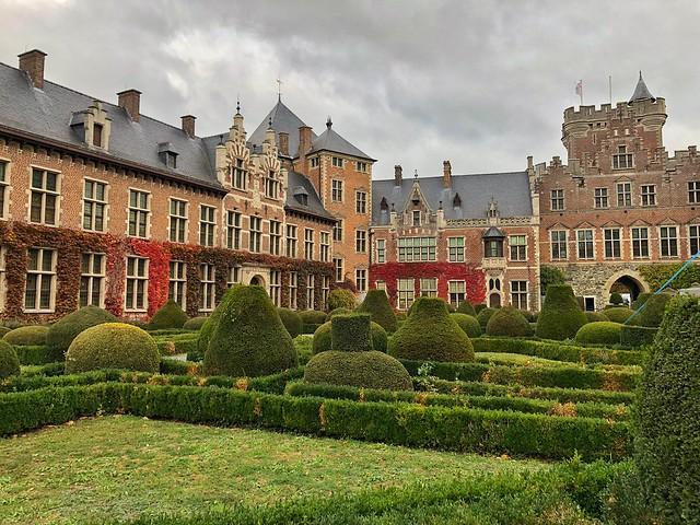 Patio interior del castillo de Gaasbeek (Brabante flamenco, Flandes)