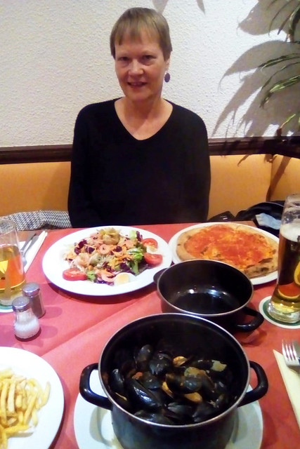 Bad Rappenau, November 2018 ... Pizzeria ... Muscheln und Insalata Capricciosa ... Foto: Brigitte Stolle