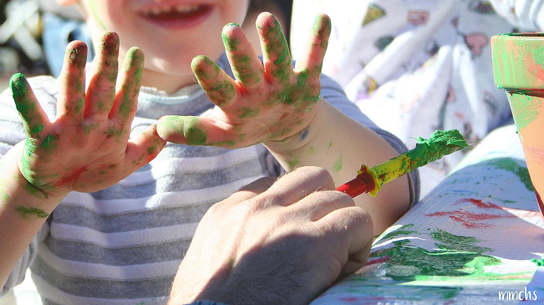 ¡Plantando un árbol con los peques!, y talleres de pintura