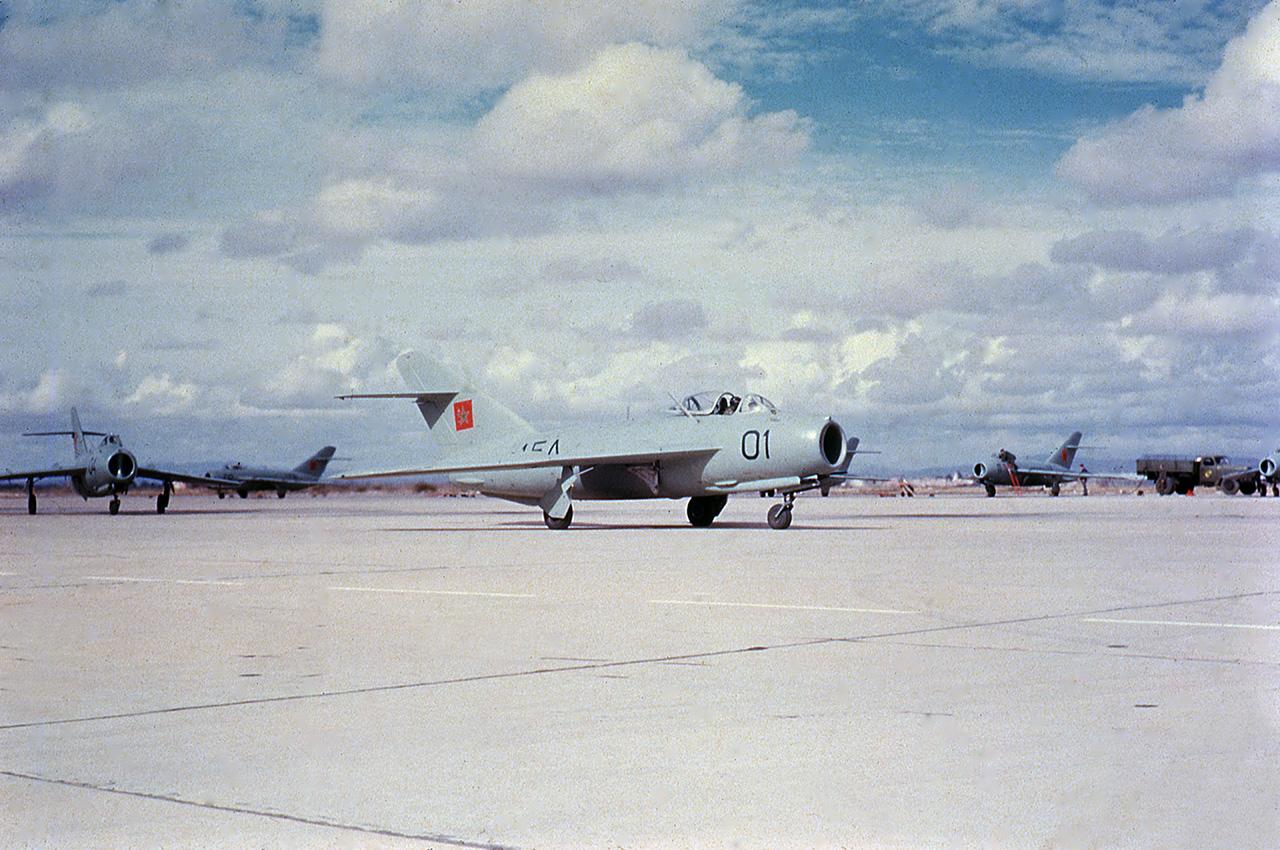 FRA: Photos anciens avions des FRA - Page 10 32178110528_de7d8a4de1_o