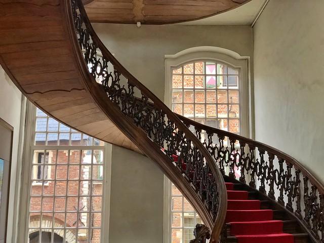 Escaleras del edificio municipal de Lier (Flandes)
