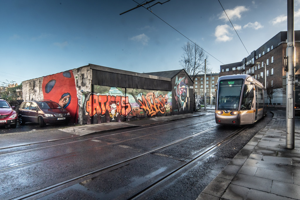 STREET ART AND A TRAM - PETERS PLACE 002