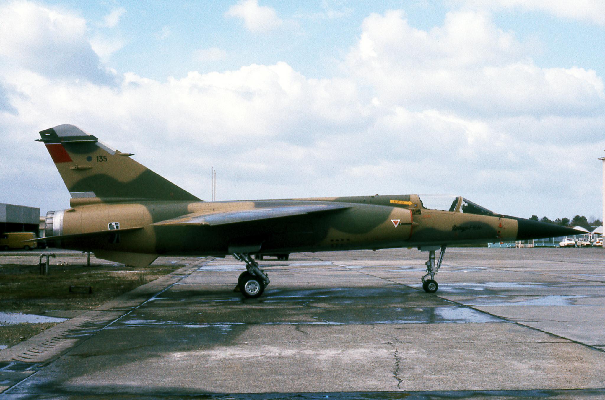 FRA: Photos Mirage F1 - Page 15 45204194895_85727e76e8_o