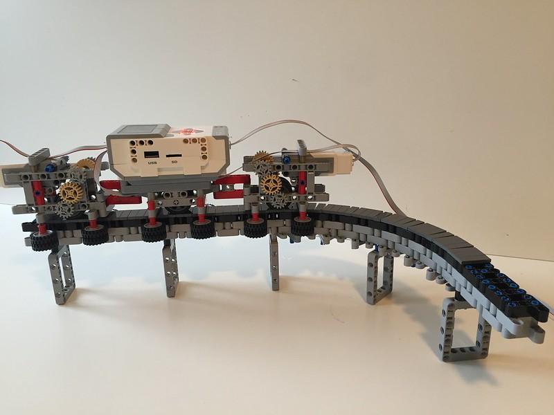 Lego Mindstorms EV3 Monorail