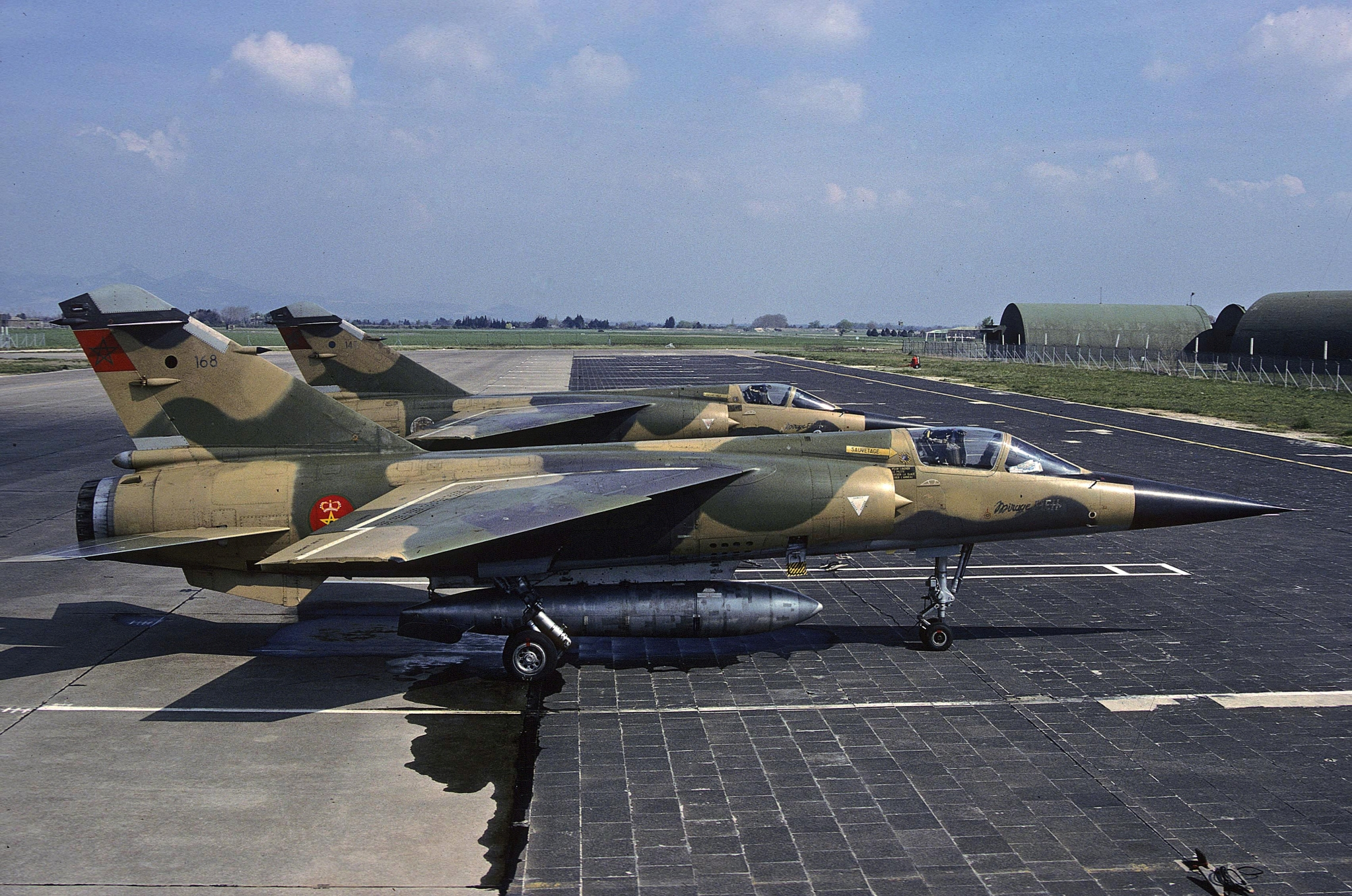 FRA: Photos Mirage F1 - Page 15 45304628245_25b7eb9b4c_o