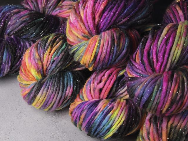 Phlump Merino – hand-dyed super chunky superwash wool sparkle yarn 200g – 'Shinjuku'