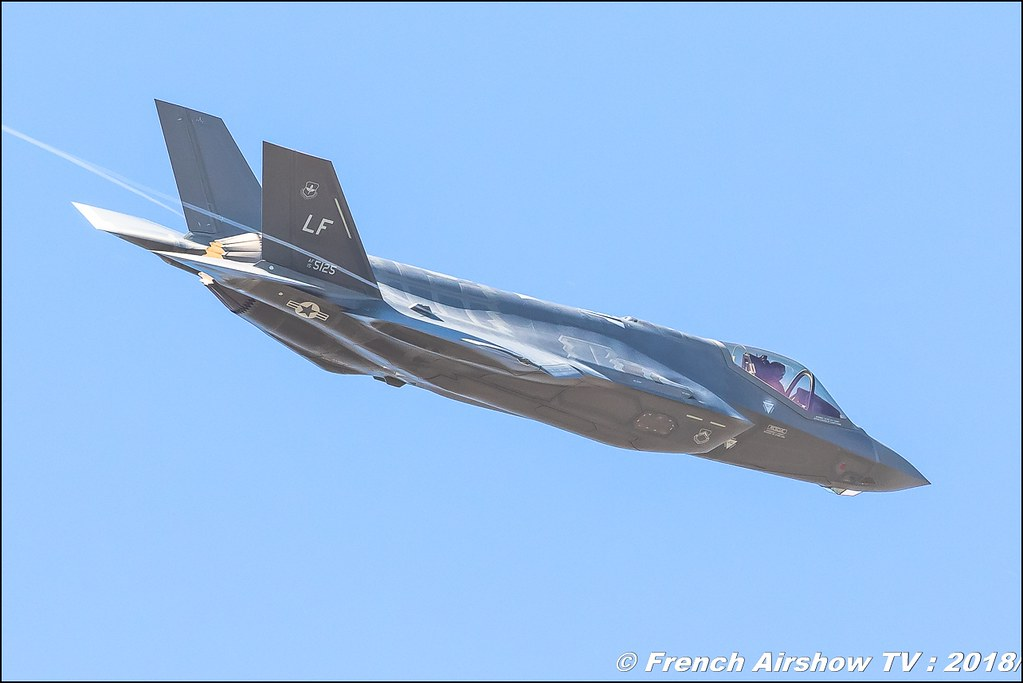 F-35 Lightning II Solo Dispaly USAF fifth generation tealth multirole fighter RIAT 2018 - Royal International Air Tattoo RAF Fairford Royaume-Uni Canon Sigma France contemporary lens Meeting Aerien 2018